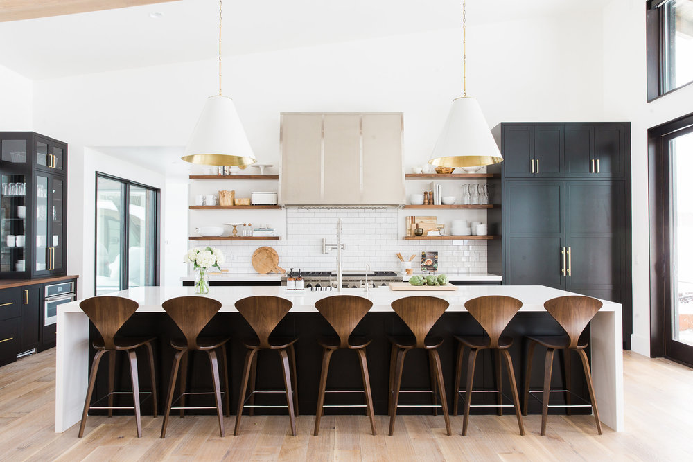 HEROBlack,+white+and+wood+kitchen+with+brass+hardware+--+Studio+McGee